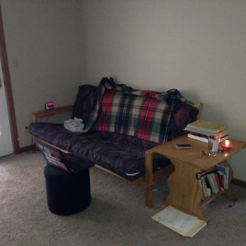 Studio Apartment, 5 minute walk from campus - West Lafayette - Apartamento