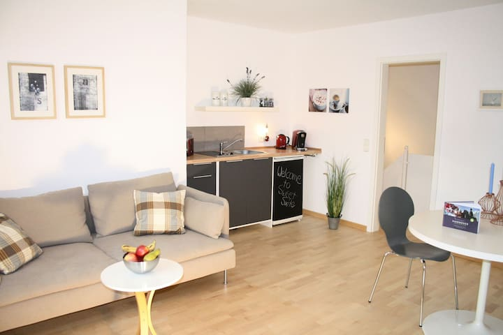 """SweetSuite"" between City and fairground - Hannover - Apartemen"