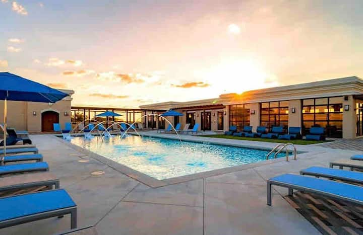 Luxe + Glam Stay in Midtown ATL | Rooftop Pool/Gym