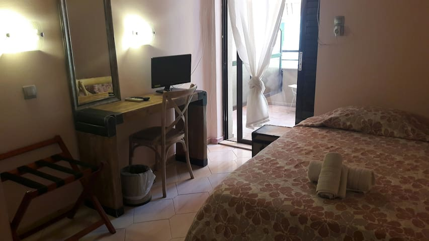 Single Comfy Boutique Room - Chios - Huoneisto