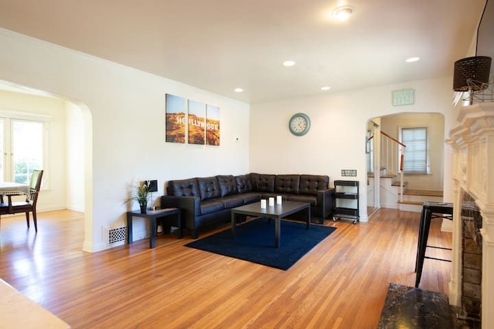 Beverly Hills- Monthly 3 bedrooms. BEST Location!