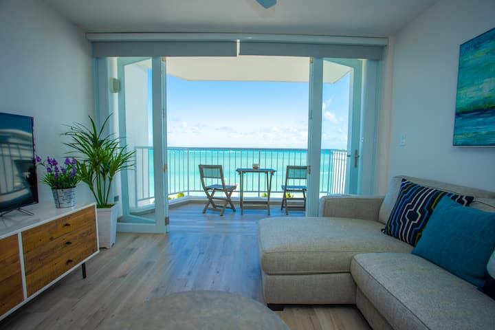 Awesome BeachFront Retreat @ IslaVerde Beach