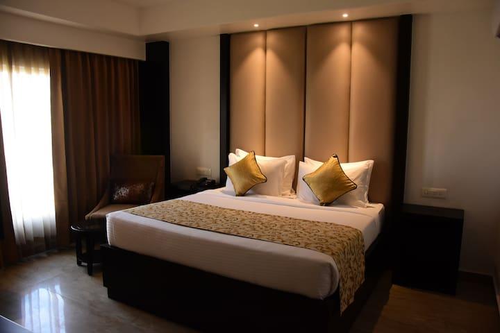 Mango Classic Hotel Room- Haridwar