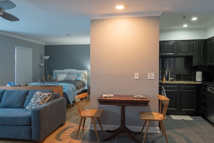 Cute & Comfy 2nd Ave Condo! Best Location!