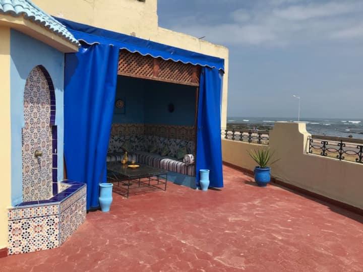 Studio Riad marocain avec terrasse face à l'océan
