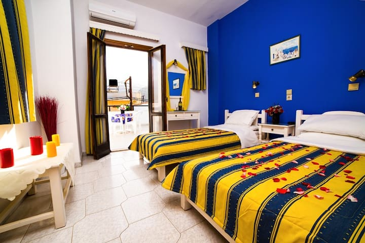 Charming apartment in the centre of Malia (4pax)