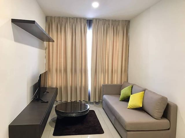 Comfy and Pleasant Homestay I city