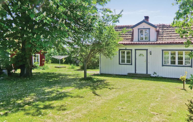 Holiday cottage with 3 bedrooms on 75m² in Mörbylånga