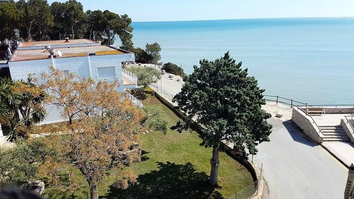 Joli appartement avec bell vues sur le mer