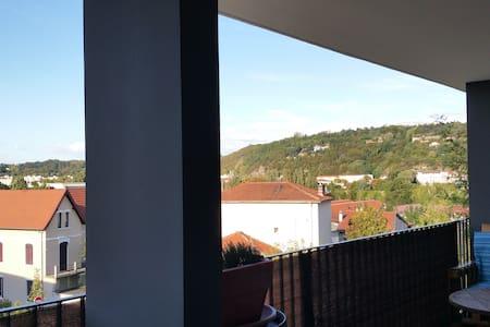 Petit appart neuf, lumineux avec un grand balcon - Saint-Romain-en-Gal - Lejlighed