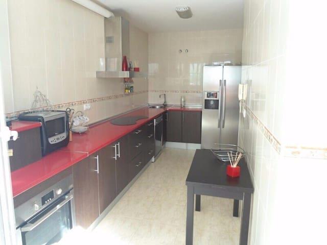Alquiler de Habitacion en Huercal de Almeria - Huércal de Almería - Huis