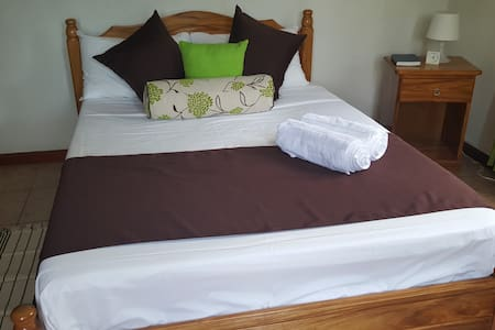 Maison Oasis Room 1 - Victoria