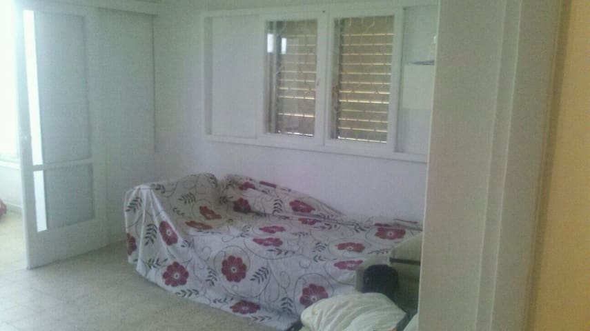 nice neighb at 20' from TLV centers - Ramat Gan - Bed & Breakfast