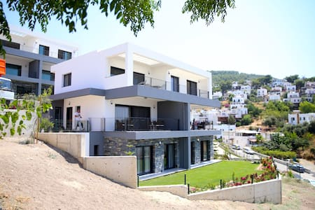 BD326-Bodrum Center 3 Bedroomed Flat - Bodrum - Apartment