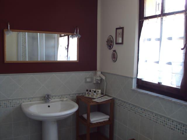 Appartamento di pregio con terrazza - Neive - Appartement