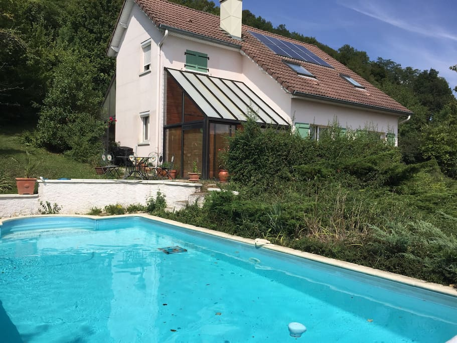 Bourgogne franche comt avec piscine houses for rent in for Piscine franche comte