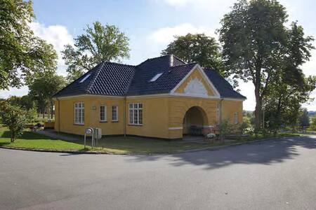 Nice house in historic surroundings - Værløse