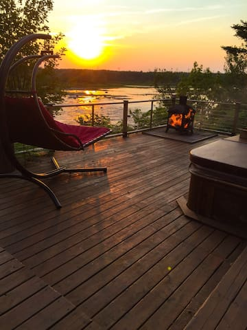 Beautiful house by the water. 2 bdr. - Québec - Casa