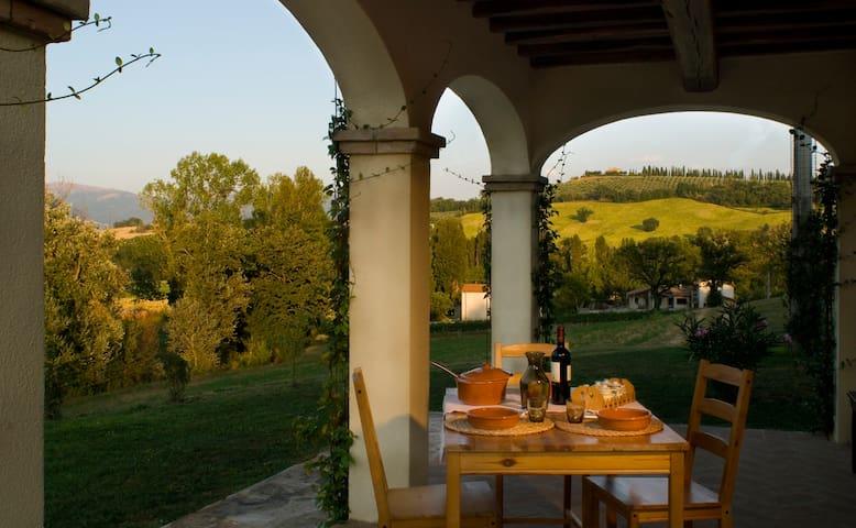 Appart. Peonia, Borgo le Capannelle - Castel Ritaldi - Wohnung