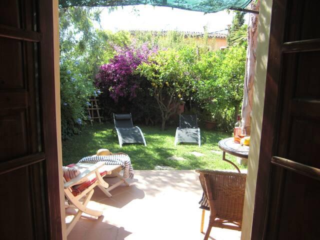 Blick in den Garten der zur Casita gehört