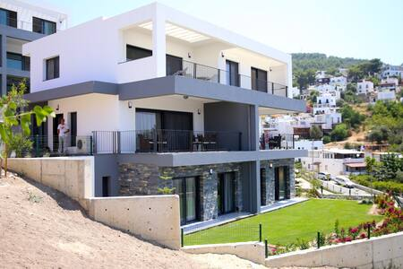 BD325-Bodrum Center 3Bedroomed Dublex - ボドルム