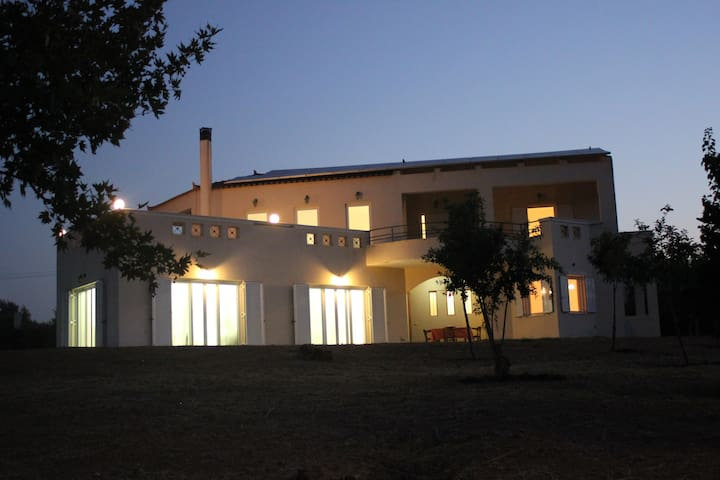 5 Bedroom villa with sea view - Elia Molai