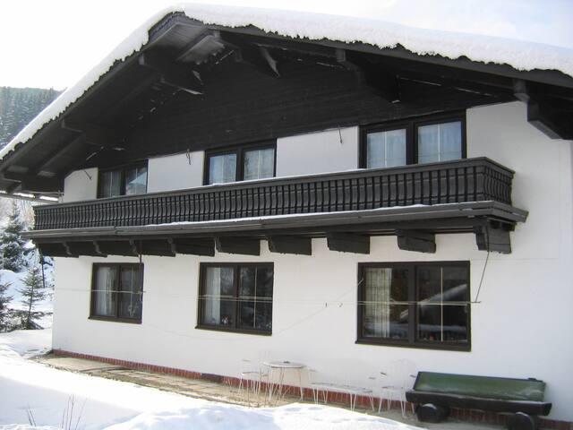 Haus Hubertus - Rain