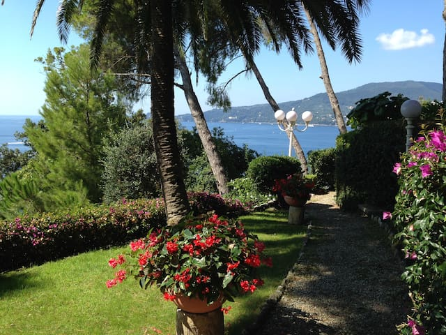 Terrace overlooking Portofino - Zoagli - Apartament
