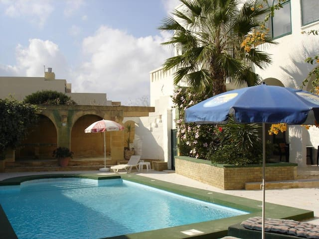 Casa Patricia with private pool - Xagħra - House
