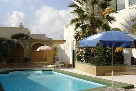 Casa Patricia with private pool - Xagħra - Dům