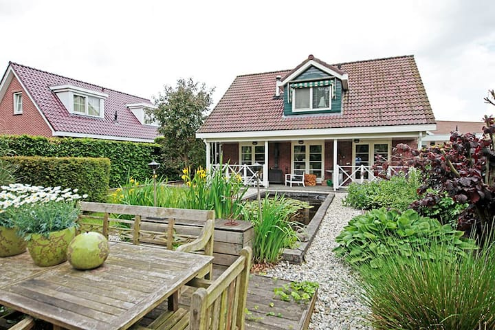 The Cosy Cottage, welnessvilla - Zeewolde - Casa