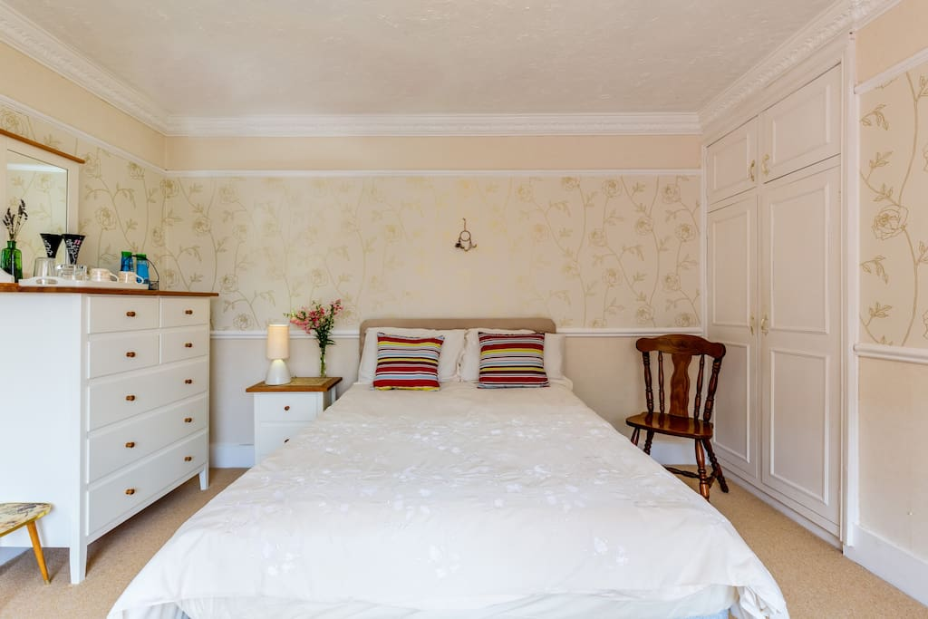 High quality King size bed and elegant clean bedding