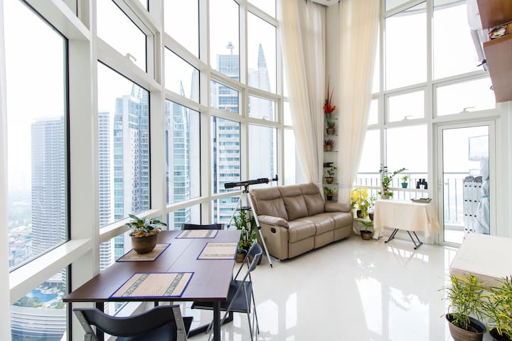 $ Better than Hotel Suite, Penthouse Loft, Ortigas