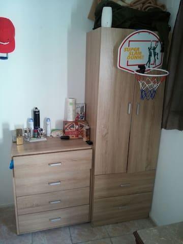 A simple room close to everywhere - Faliraki - Casa