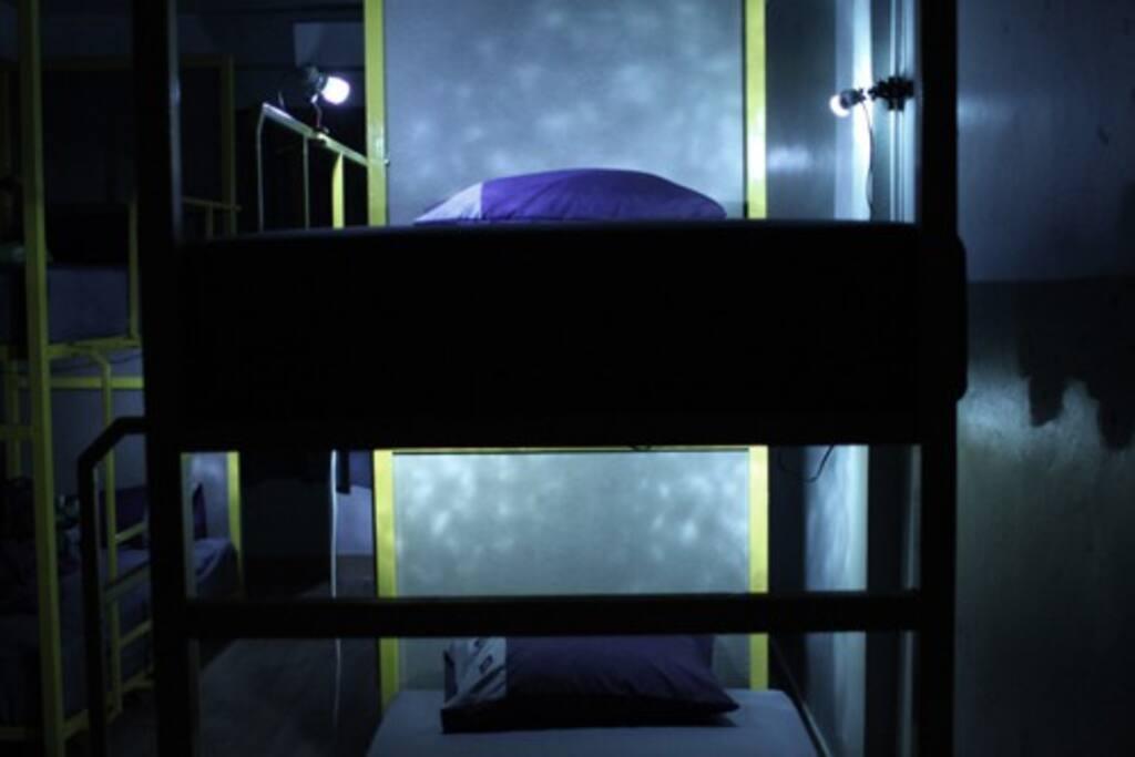 bunk beds in 10 beds-dorm