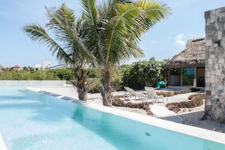 Indoor-Outdoor South Point Casa - Isla Mujeres - Hus
