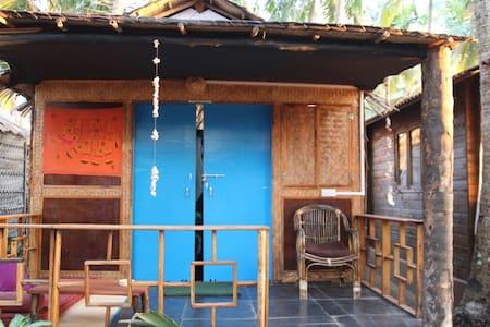 Cosy garden beach hut - Agonda