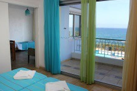 Superb two room villa with pool (Hersonissos) - Chersonesos - Villa