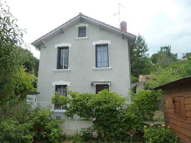 Maison individuelle, quartier calme - Royat - Ev