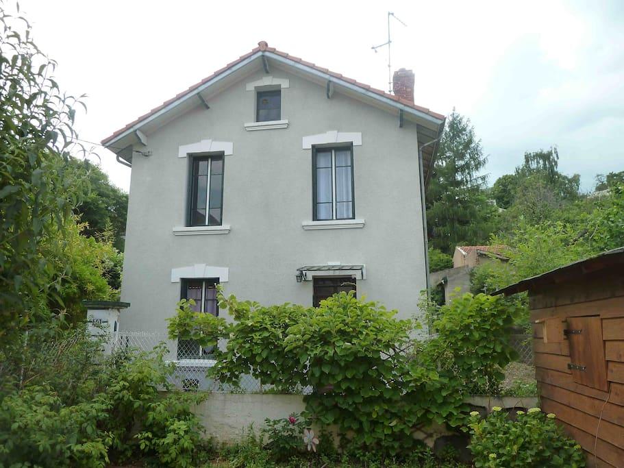 Maison individuelle quartier calme maisons louer for Auvergne location maison