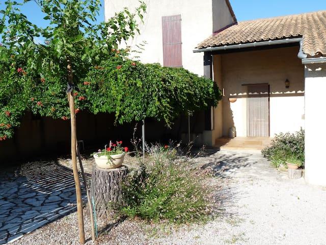 villa au calme vue imprenable - Saint-Jean-de-Crieulon - Dom