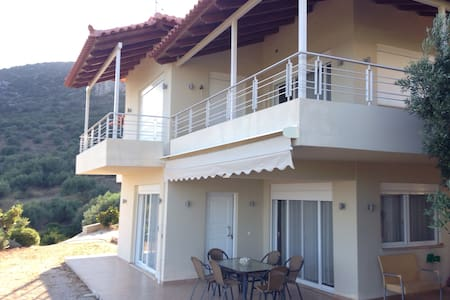 Sea View Villa in Tolo near Nafplio - Tolo - House