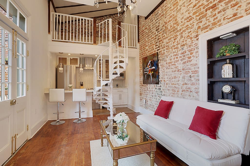 French quarter luxury condo condominiums for rent in new - 1 bedroom houses for rent in new orleans ...