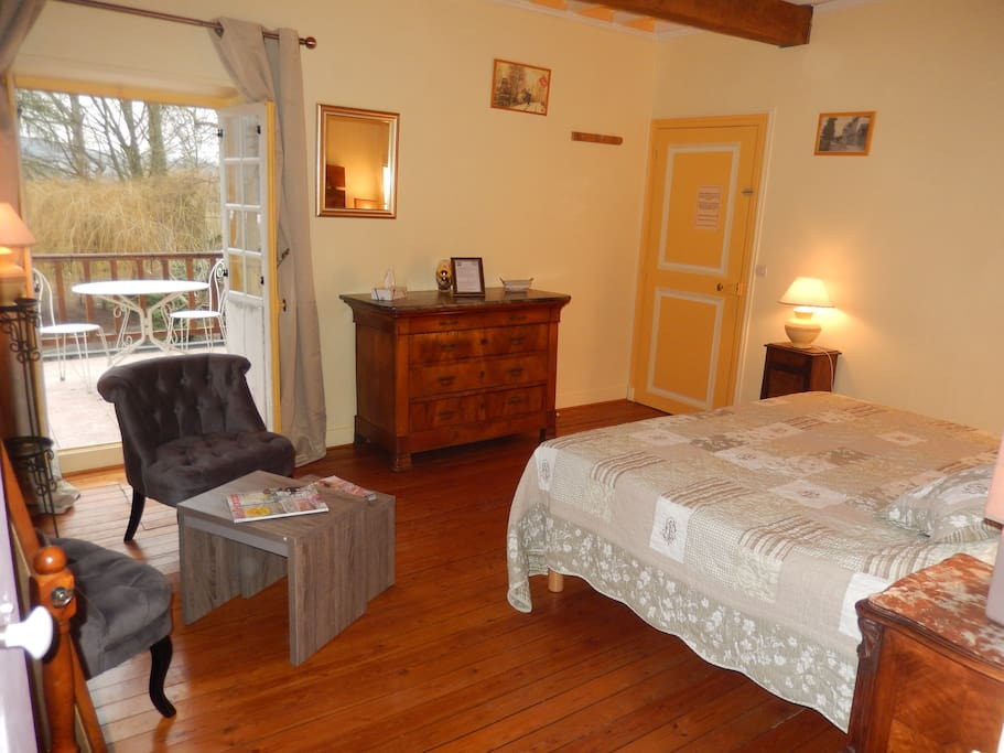 Chambre tournesol chambres d 39 h tes louer giverny for Chambre haute france