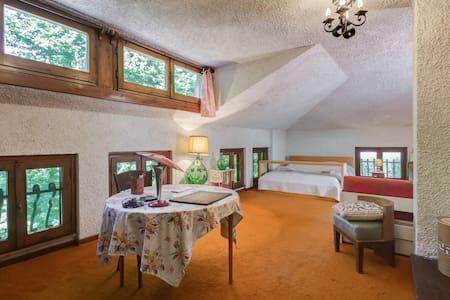 Mansarda in villa privata a Frascati - Frascati - Ház