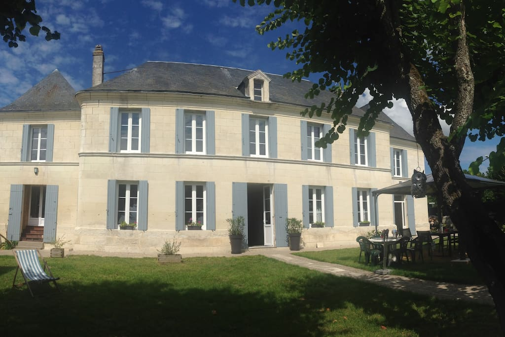 Demeure familiale du 19 me si cle houses for rent in for Demeures familiales
