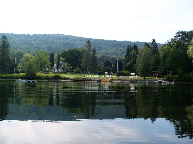 Loch Lyme Lodge - 2BR B&B on pond, pet friendly - Lyme - Bed & Breakfast