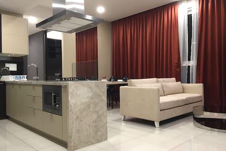 2 BR luxury condo on D'sara Uptown for 5 pax - Petaling Jaya