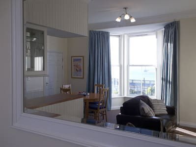Roker Seafront Apartments Flat 3