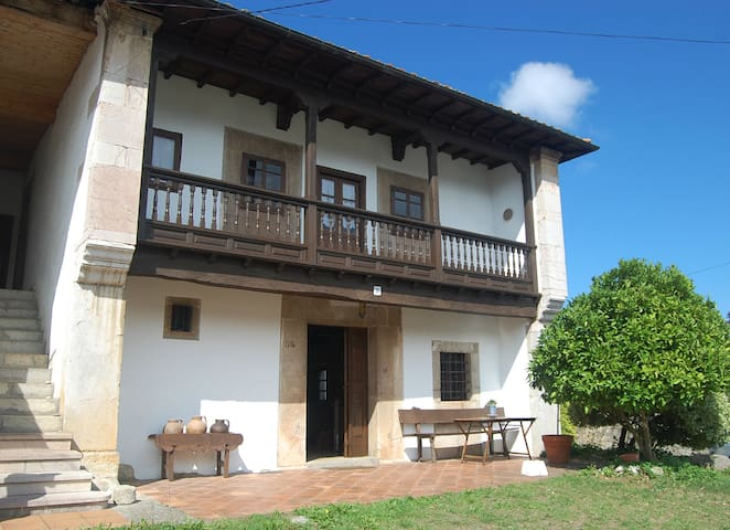 "Traditional ""Asturiana"" rural house - Bricia - Huis"